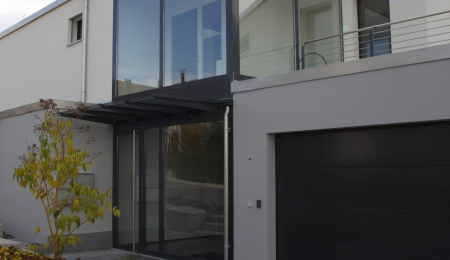Neubau Terrassenhaus in Jonen